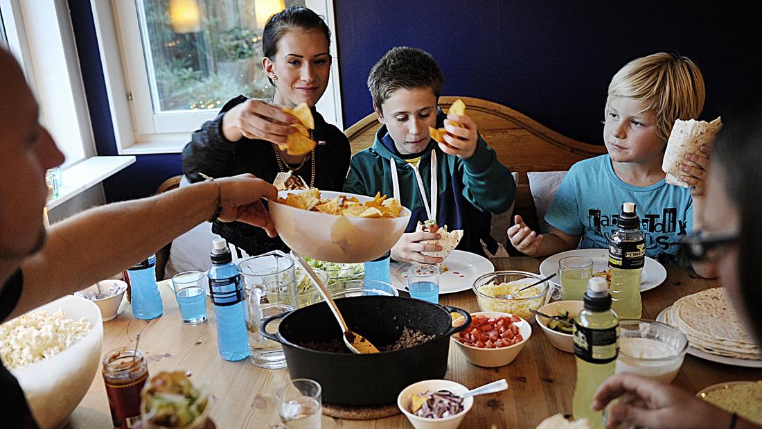 1. TACOMYSET I Enskede, där medelinkomsten ligger runt 266 000 kronor, är tacos det vanligaste fredagsmyset ...