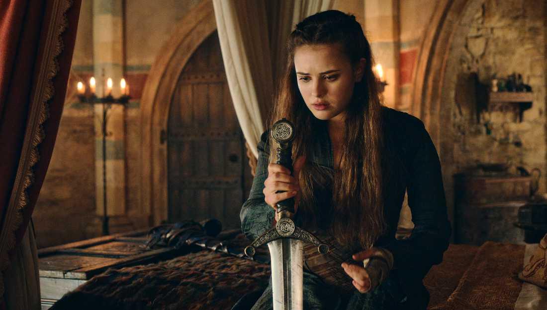 "Katherine Langford spelar Nimue i nya Netflix-serien ""Cursed""."