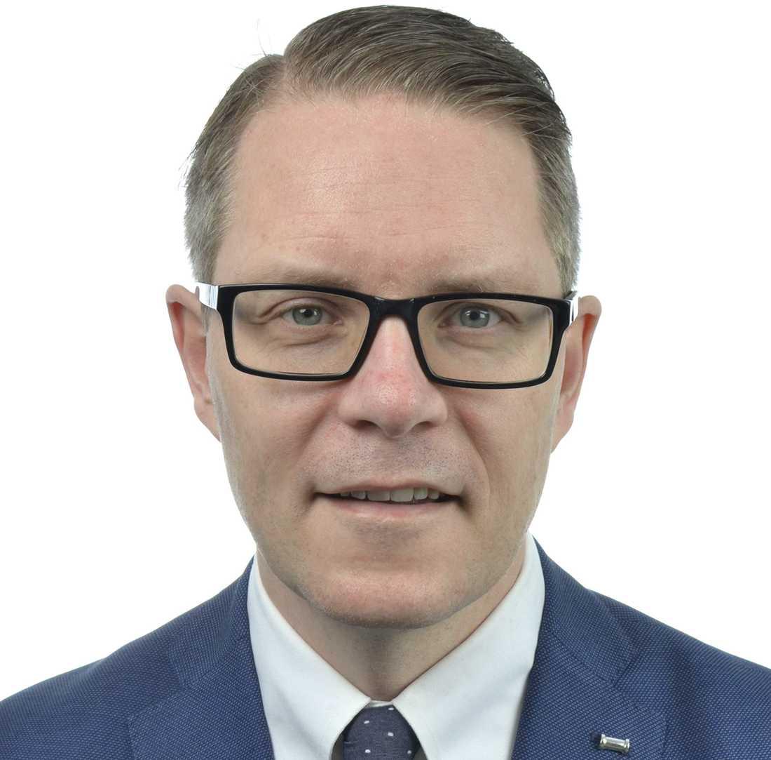 Lars Hjälmered (M), ordförande i riksdagens näringsutskott.