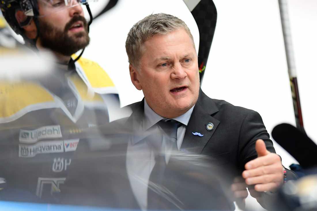 HV71:s tränare Stephan Lundh lämnar SHL-klubben. Arkivbild.