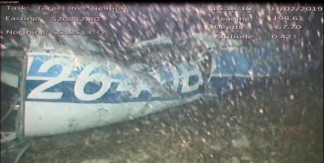 Här är första bilden på flygplanet som hittats på botten i Engelska kanalen och som försvann med fotbollsspelaren Emiliano Sala ombord.
