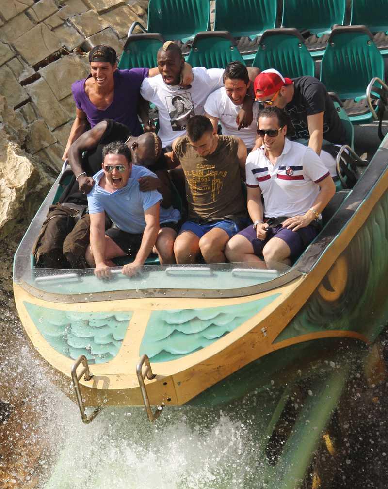 Balotelli är kanske rädd för att bli nerskvätt med vatten?