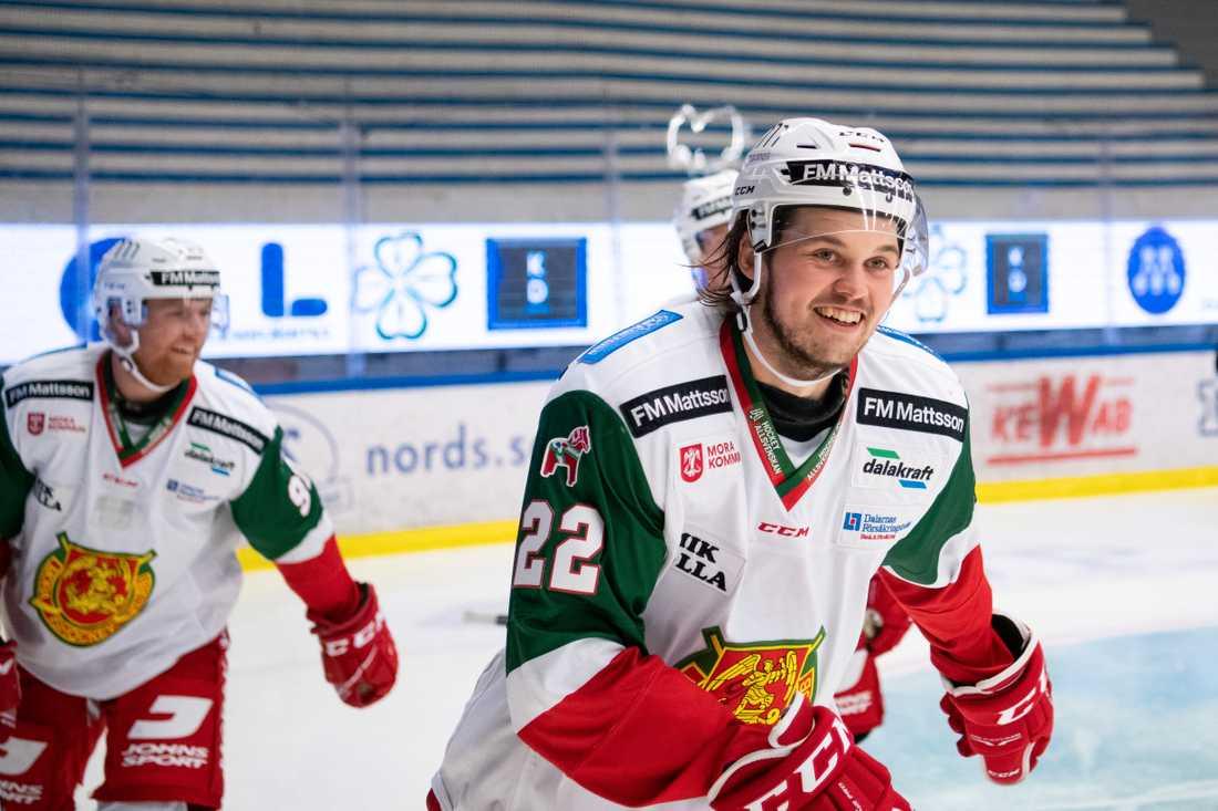 Måns Carlsson blev matchhjälte för Mora mot Karlskoga.