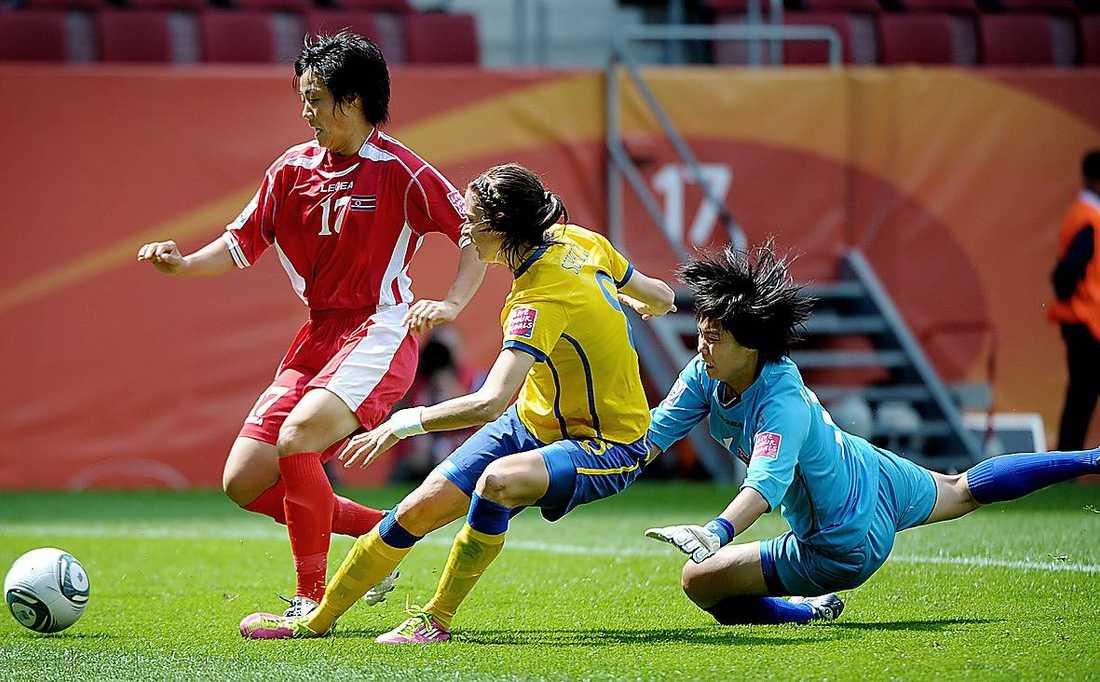 Lotta Schelin och Sverige mötte Nordkorea i VM i juli 2011. Sverige vann matchen med 1–0.