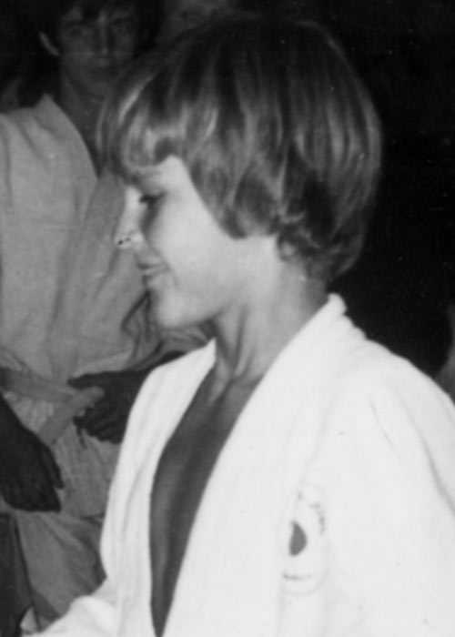 """Charles Zelmanovits, 15, försvann 1976 i Piteå Quick dömdes i november 1994. Resningsansökan inlämnad av åklagare i juni i år. Försvann efter en skoldans. 17 år senare hittades hans kvarlevor på Pitholmsheden. Quick erkände mordet. Tekniska bevis saknades, och rätten skrev i domen: """"Quick har erkänt gärningen och hans erkännande får stöd av de uppgifter han själv lämnat. Någon teknisk bevisning som binder Quick vid brottet föreligger dock inte."""""""