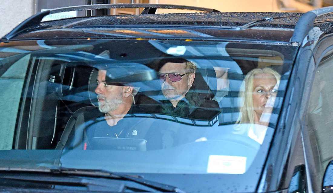 Bono på väg till Globen.