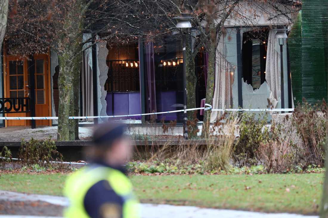 Två män blev ihjälskjutna natten till den 5 december 2019 utanför en nattklubb i centrala Norrköping. Flera fönsterrutor till nattklubben gick sönder vid skjutningen, men ingen annan person ska ha skadats.