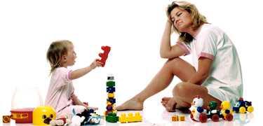 Trött mamma - men inte tröttare än kvinnor som inte har barn, enligt forskning från Akademiska sjukhuset i Uppsala.