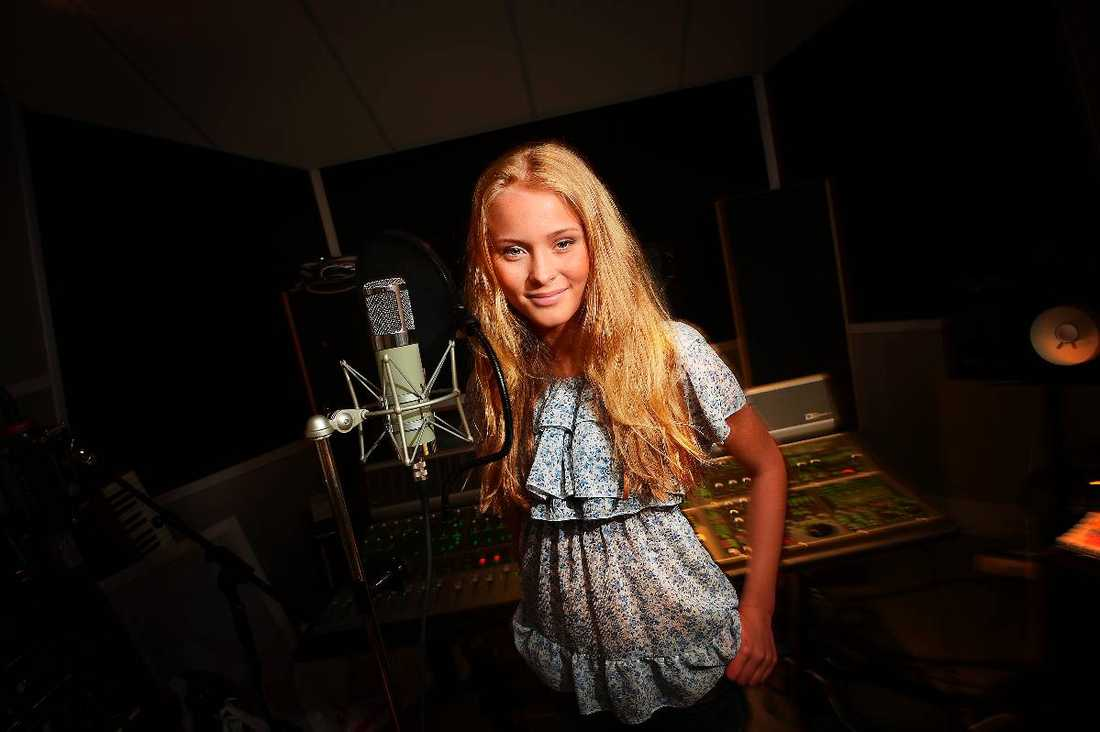 svenskt STJÄRNSKOTT Zara Larsson har sålt platina i Sverige på bara en månad. Nu ska hon lanseras i USA.