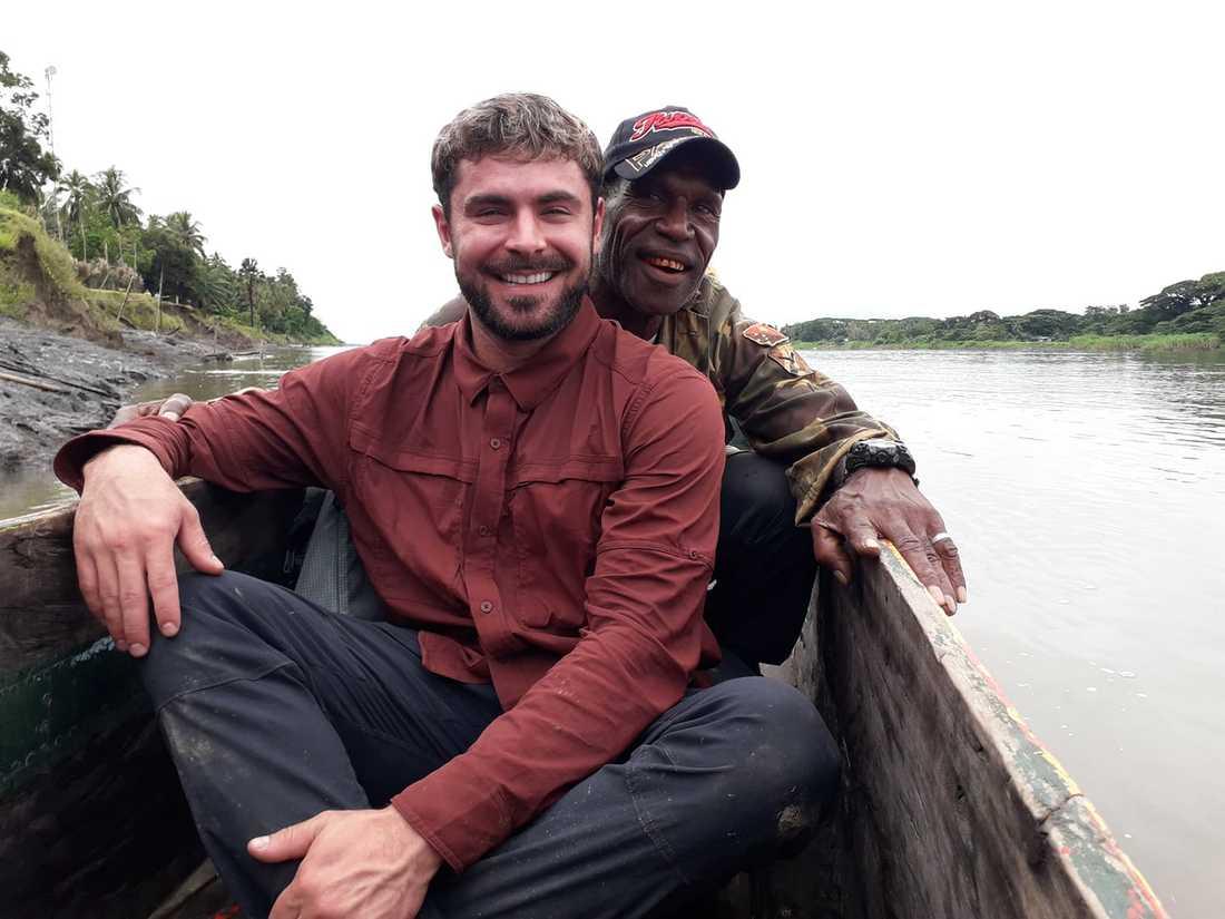 "Zac Efron under inspelningen av den nya tv-serien ""Killing Zac Efron"" i Papua Nya Guinea."