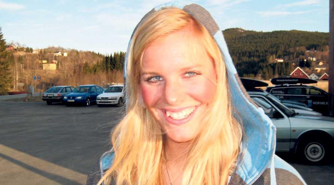 Tora Uppstrøm Berg, 21, studerar fotografering på konsthögskolan Art university college i lyxiga Bournemouth.