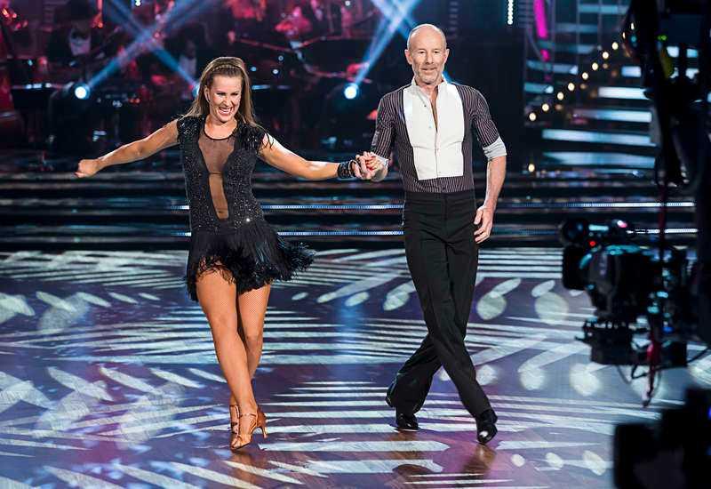 """Ingemar Stenmark dansar med Cecilia """"Cissi"""" Ehrling i """"Let's dance""""."""