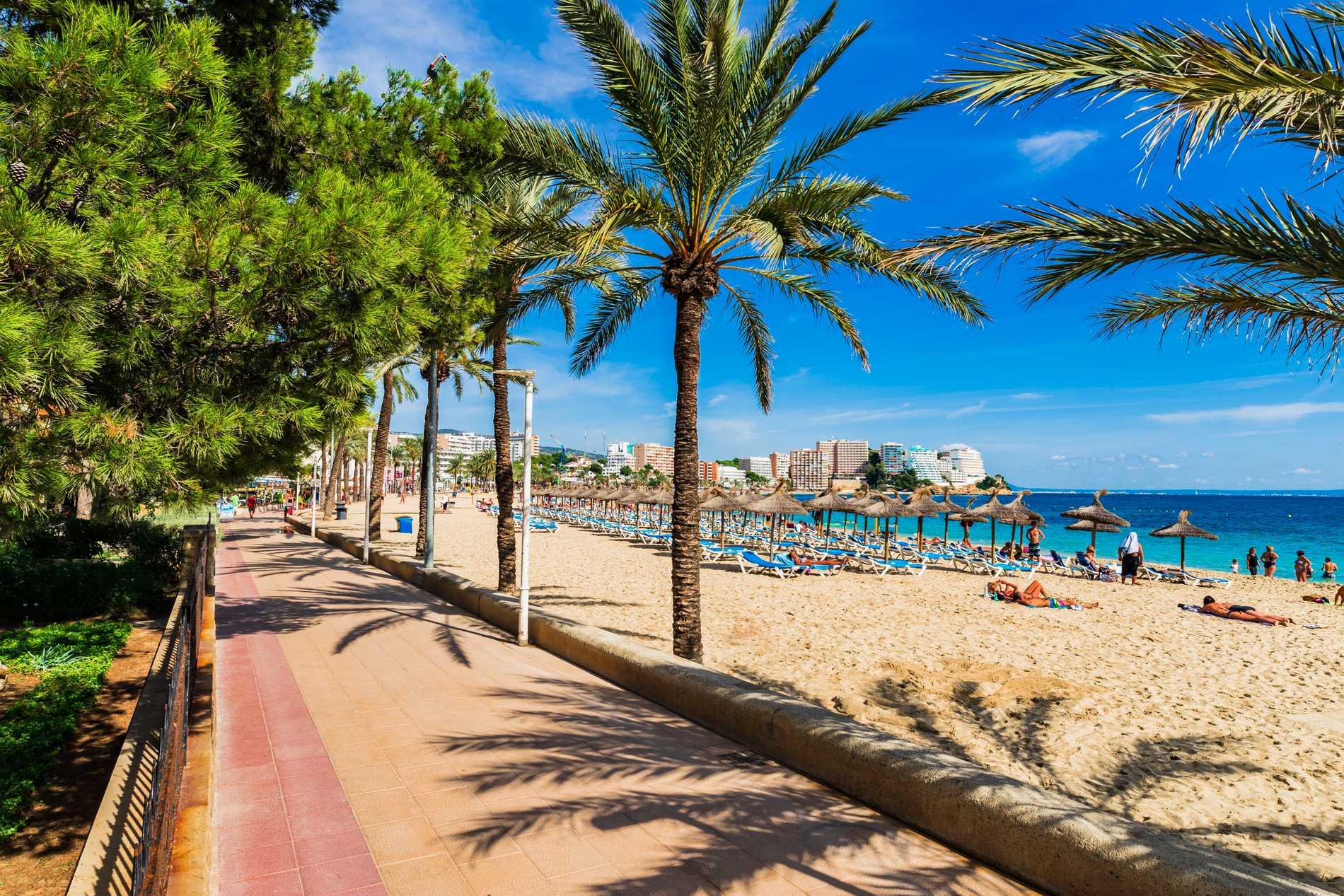 Magaluf är en strandort känd för sol, bad och fest.