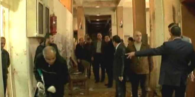 En bild från myndighetshuset som drabbades av självmordsattacken