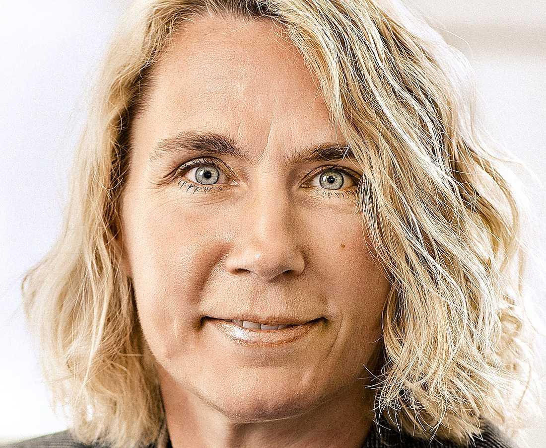 """DIAVERUM Karin Kaloczy, vd. Två svenska bolag ingår i den internationella vårdkoncernen, specialiserad på njursjukvård. Omsättning: 220 miljoner kronor. Bolagsskatt: 0 kronor. Kommentar: """"Den svenska verksamheten är mycket liten i förhållande till hela bolaget. Diaverum har totalt 230 kliniker runt om i världen, varav vi har 4 kliniker i Sverige."""""""