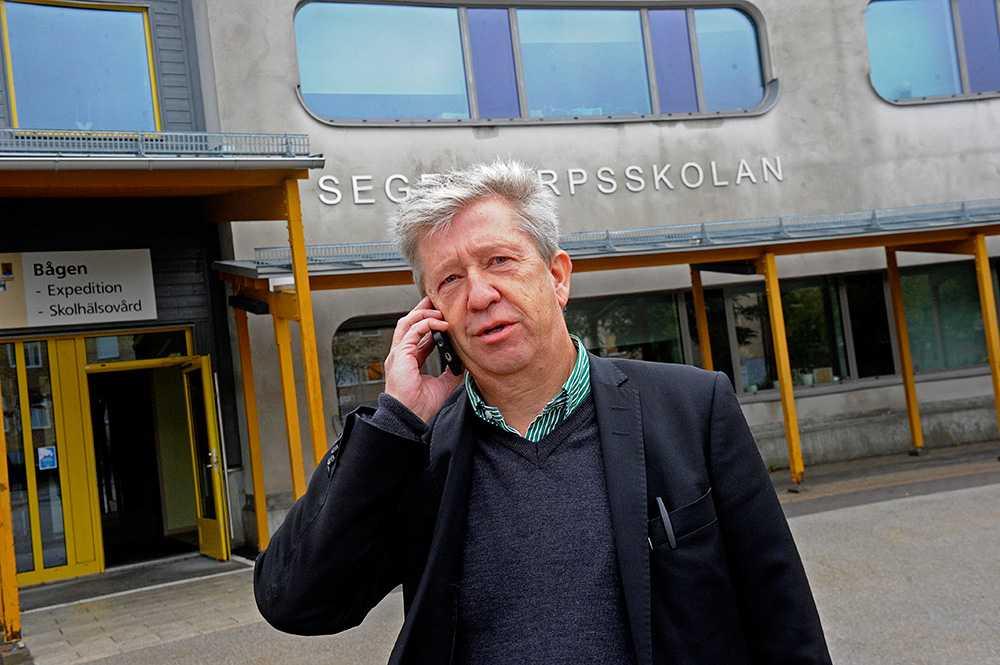 Lennart Norrevik, rektor på Segeltorpsskolan som ställt in all undervisning efter översvämning och blixtnedslag.