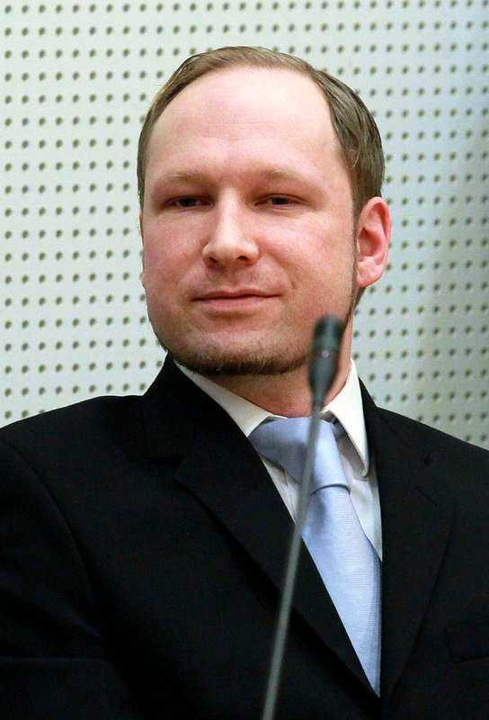 """""""JÄTTEKONSTIGT BREV""""  Anders Behring Breivik skrev sommaren 2010 till svenska mäklare och kommuner för att få hjälp med att hitta ett ödsligt ställe där han i lugn och ro skulle kunna tillverka bomberna. """"Jag minns att jag tyckte att det var ett jättekonstigt brev"""", säger Christina Öster på turistbyrån i Morokulien.Foto"""