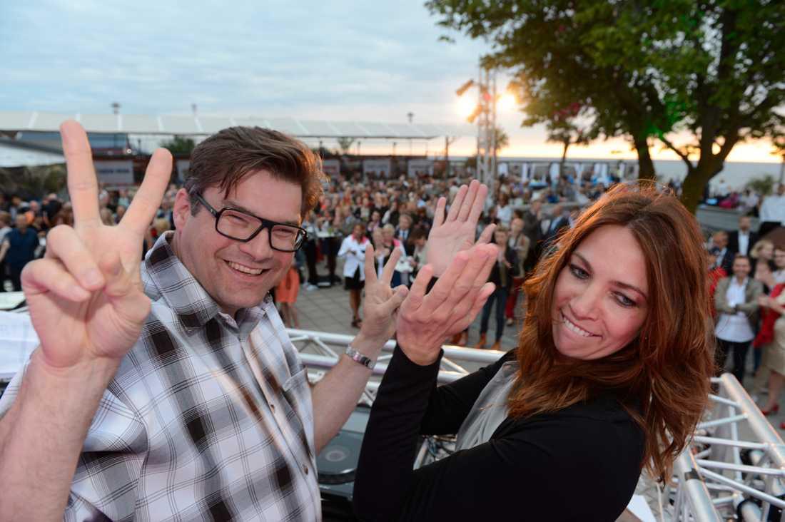 DJ Battle och Aftonbladets segersvissa team, Jan Helin och Karin Magnusson, Politikerveckan i Almedalen 2012.