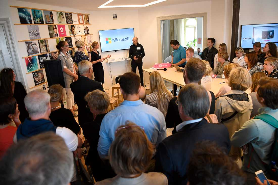 Cecilia Magnusson Sjöberg, professor i juridik, Rebecka Cedering Ångström, forskare, Ericsson Helena Blackbright, forskare och Daniel Akenine, teknisk chef för Microsoft Sverige.