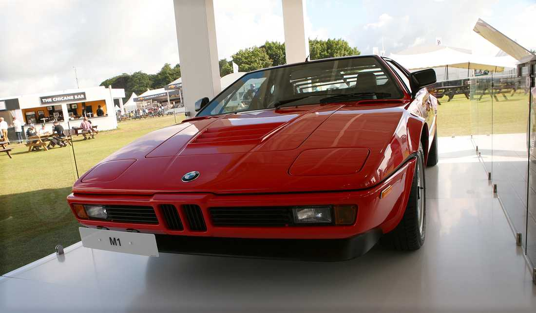 BMW:s klassiska superbil M1 stod och glänste i tillverkarens specialpaviljong för M-bilar.