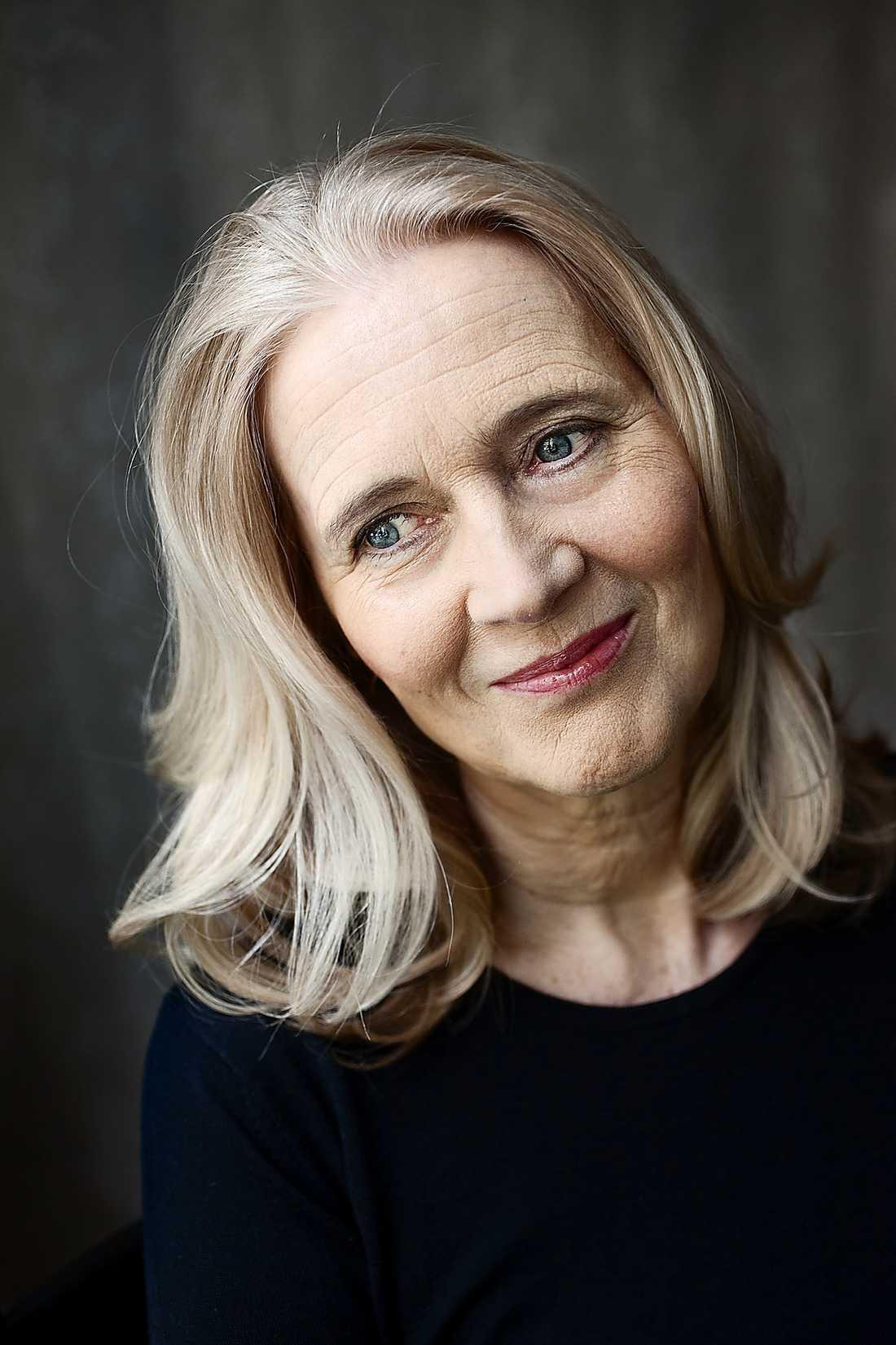 Katarina Frostenson är född i Stockholm 1953. Hon är ledamot i Svenska Akademien sedan 1992.