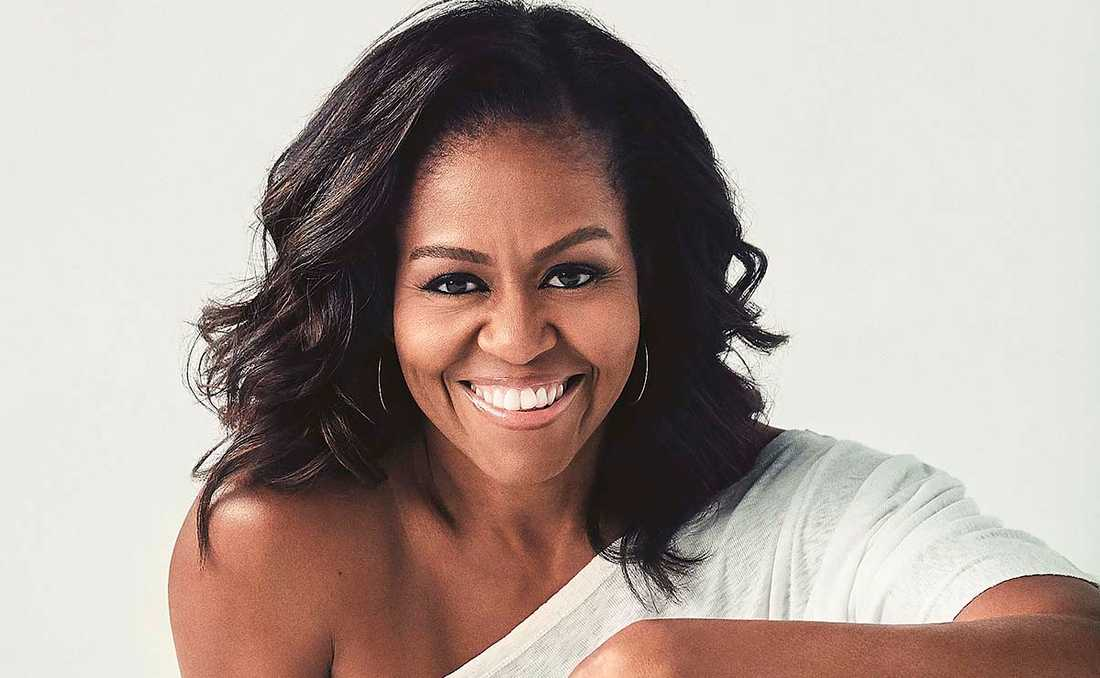 Michelle Obama (född 1964) ger  inblickar i hur livet såg ut för en afroamerikansk familj på 1960- och 1970-talen, men också hur världens mest kända par kämpar med livspusslet och att landets president snarkar och kastar strumpor kring sig.