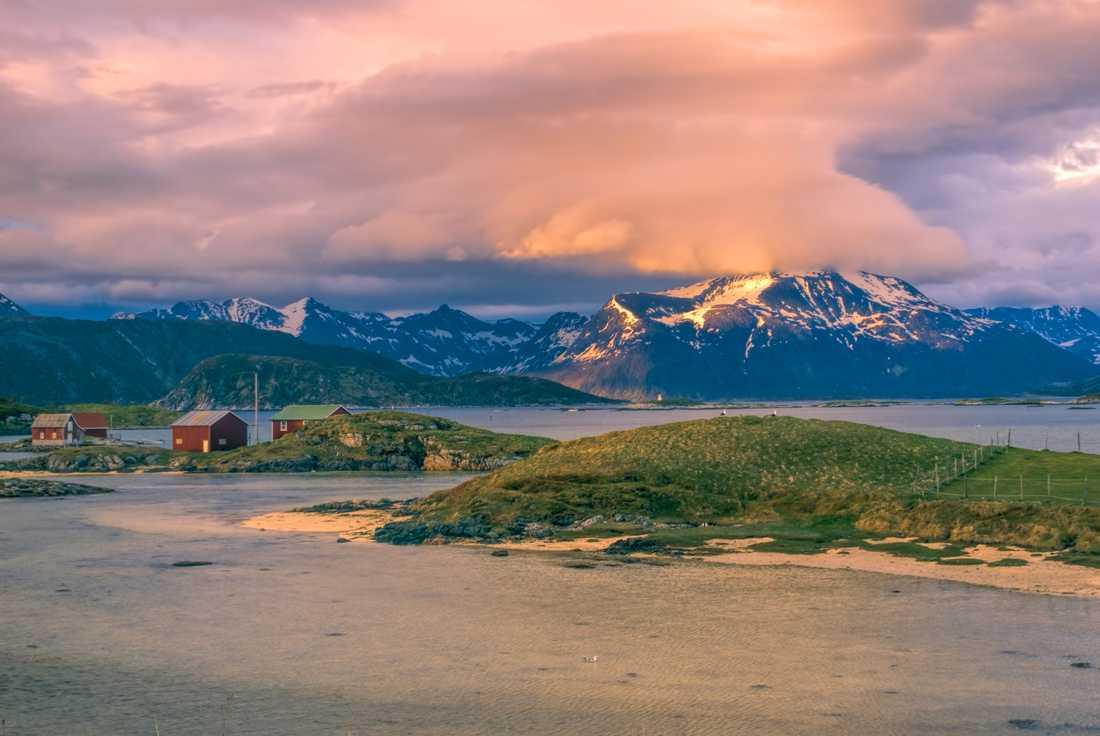 De boende på Sommarøy menar att ön är minst lika vacker på sommaren som på vintern.