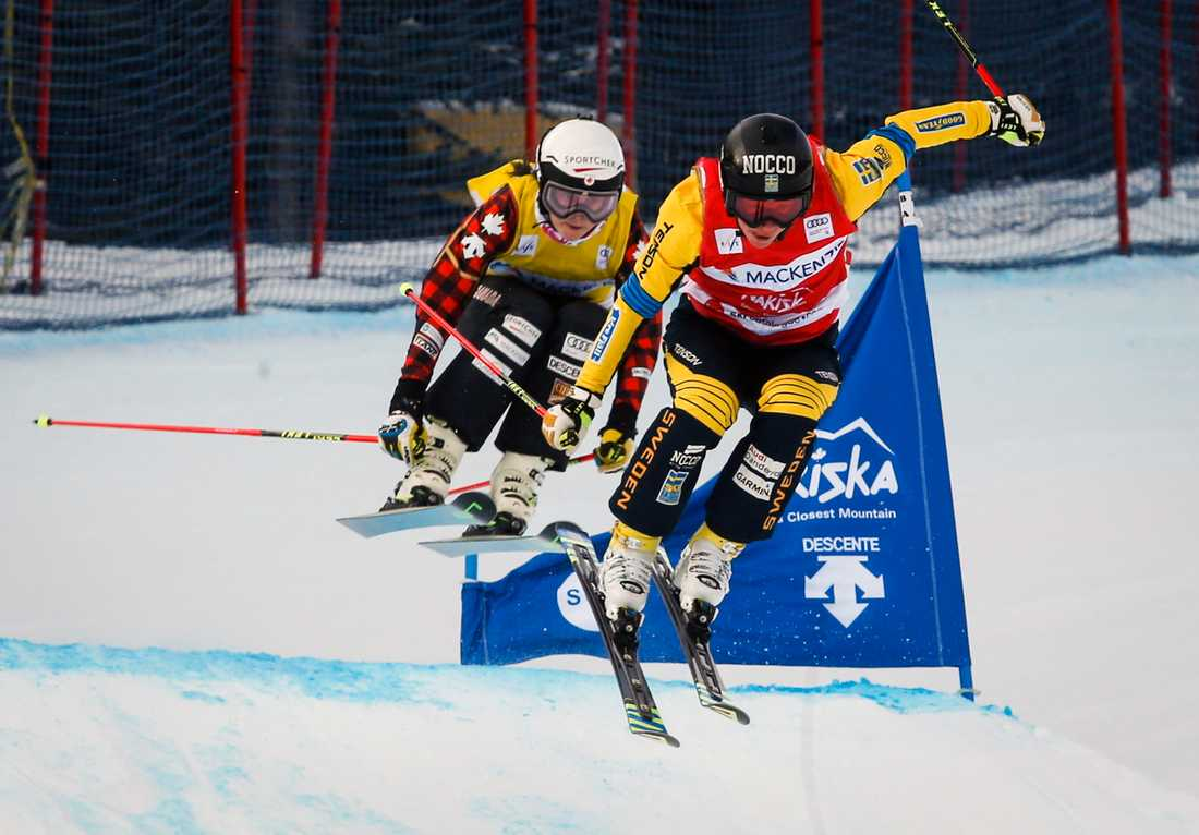 Sandra Näslund, till höger, slutade sist i finalen i Innichen. Arkivbild.
