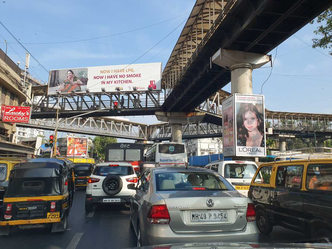 En mer normal indisk trafiksituation, i Mumbai.