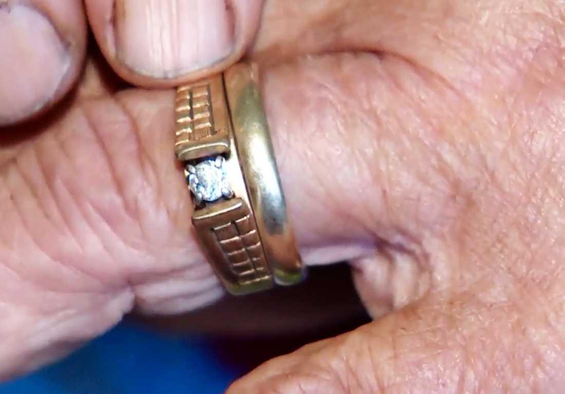 Ringen på fingret.