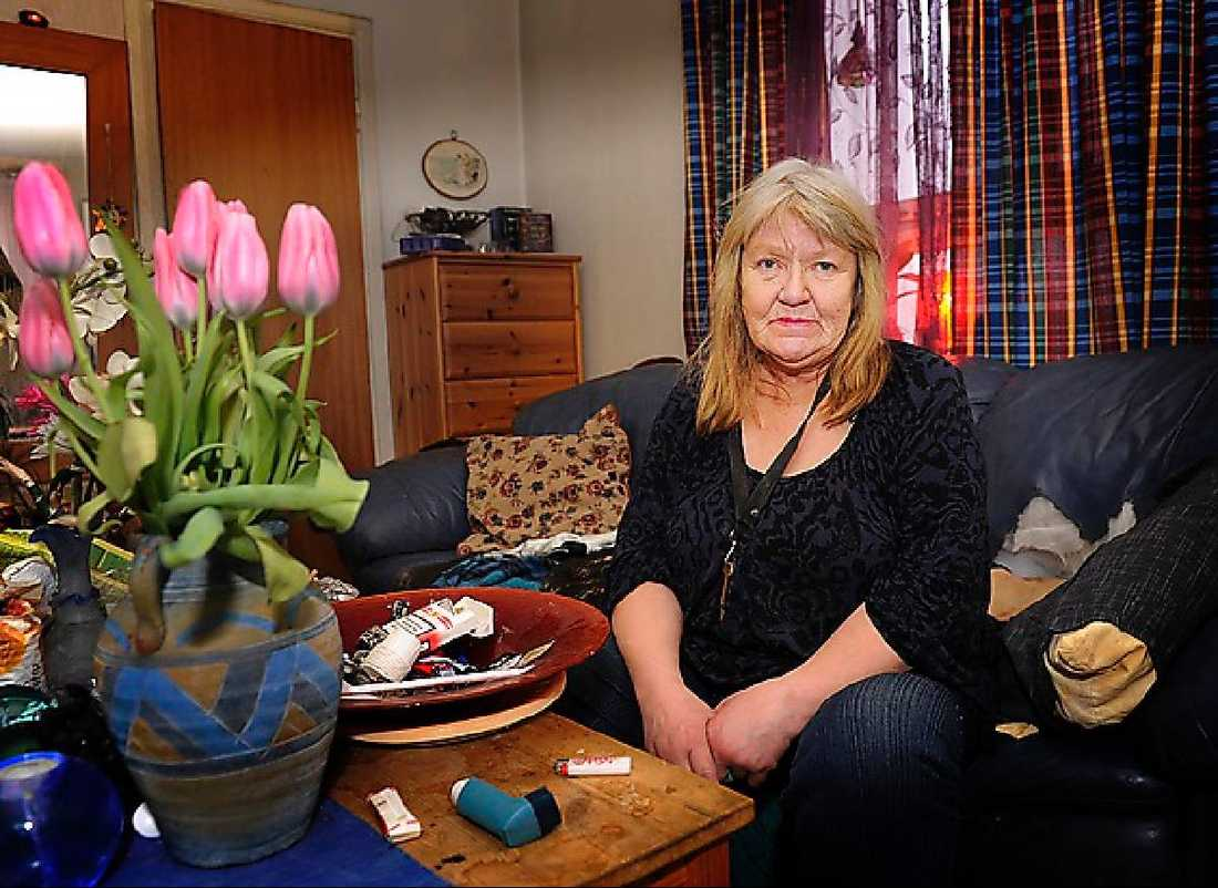 """Christina, 64, ägde och bodde i lägenheten i Kista vid tiden för Palmemordet. Hon bekräftar i dag för Aftonbladet att Christer Pettersson brukade besöka henne, men hon minns ej händelsen med revolvern eller amfetaminköparna från Gävle. """"Jag såg aldrig Christer med skjutvapen. Däremot kunde han ha en kniv i byxlinningen ibland""""."""