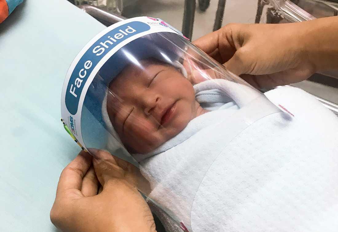 Nyfödd med visir i Thailand.