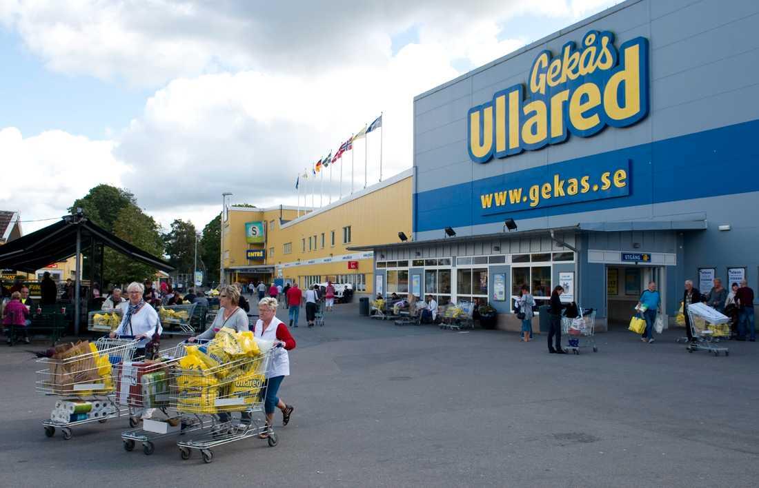 Falkenbergs kommun har fått in flera tips om trängsel på varuhuset Gekås i Ullared. Arkivbild.