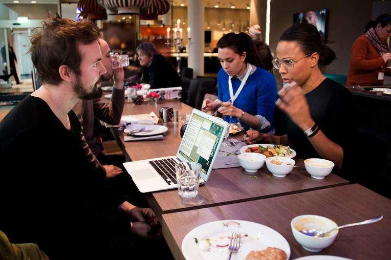 Mitt i maten med Aftonbladets reporter Mattias Sandberg.