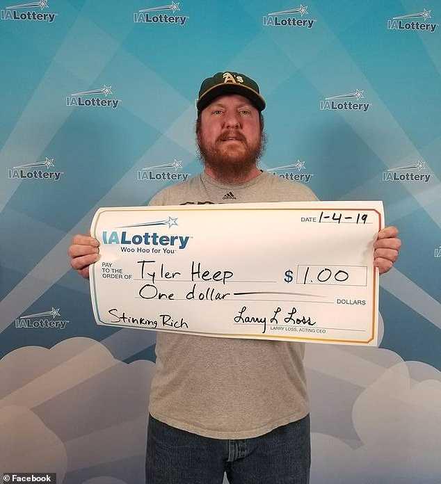 Den glade vinnaren kammade hem 1 dollar.