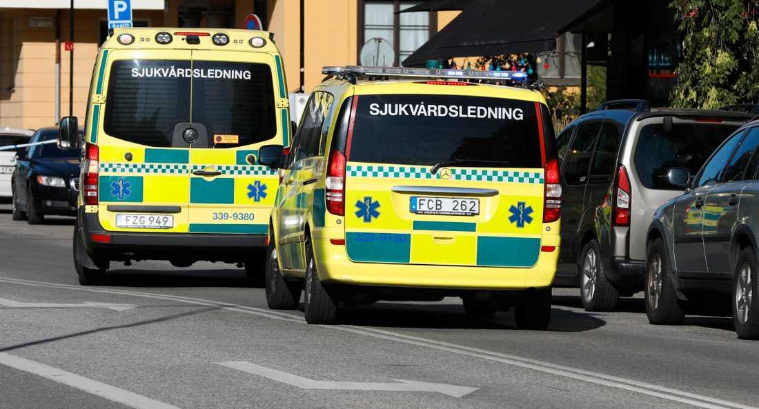 Ett stort pådrag skickades till Kungsholmen efter skottlossningen mot den kände advokaten.