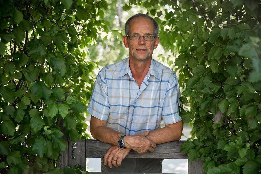 Kattallergikern Bertil Orrby, 62, välkomnar ett botemedel.