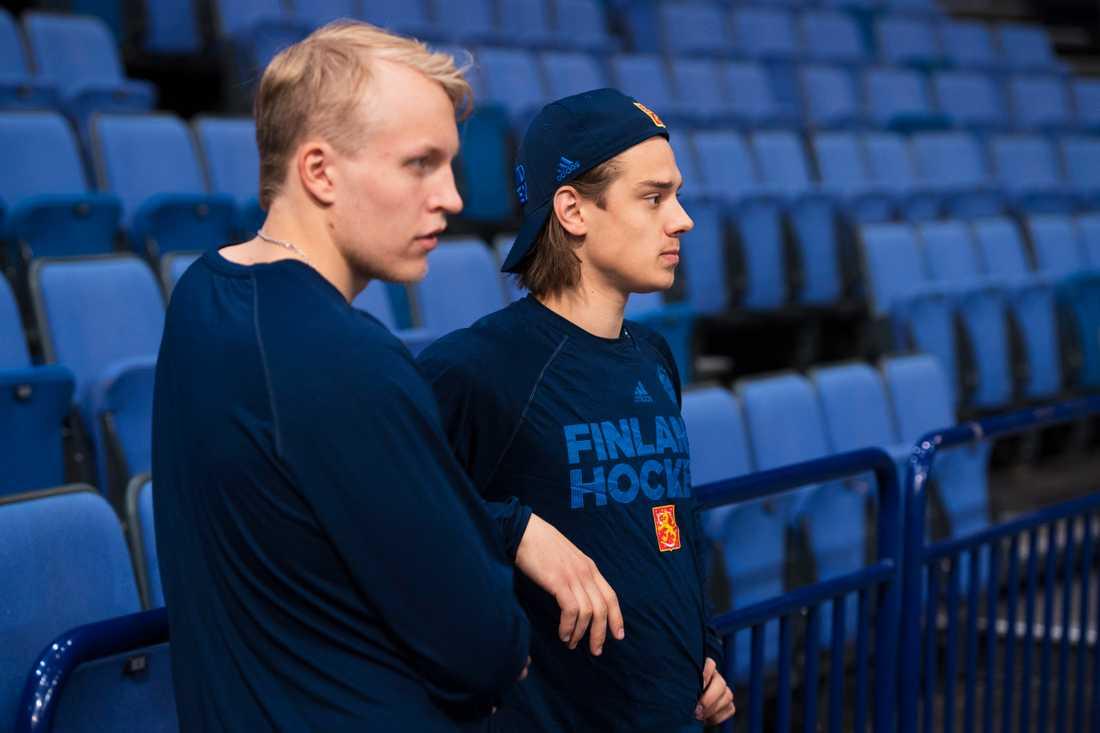 Patrik Laine och Sebastian Aho är två av de som nu måste rycka in.