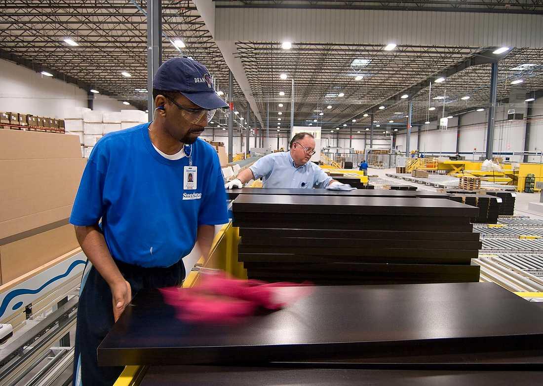 omröstning Herman Richardson och Paul Gentry arbetar på Swedwoods fabrik i Danville i Virginia som tillverkar möbler för Ikea. På onsdag ska arbetarna där rösta om de ska bilda en fackförening eller ej.