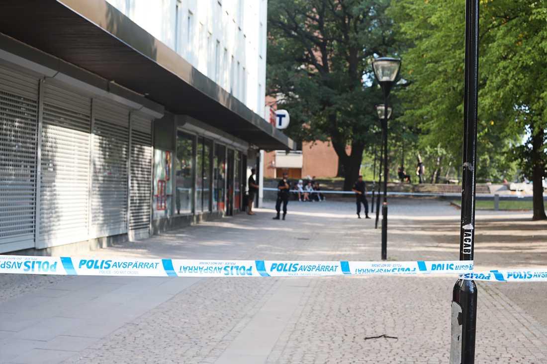 En skottlossning har inträffat i Liljeholmen, i Stockholm.