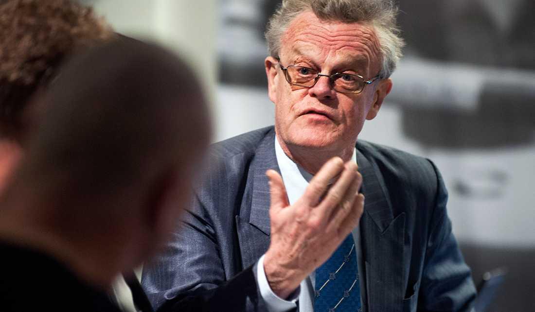 Förra rikspolischefen och huliganutredaren Björn Eriksson valdes på söndagen till ny ordförande för Svenska friidrottsförbundet.