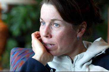 Magdalena Forsberg vaknade av att alpstugan hon bodde i skakade kraftigt.