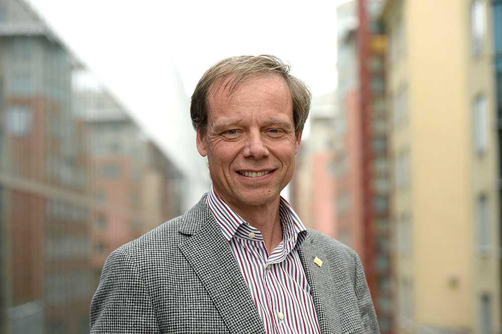 Christer Fuglesang, 57, var den första svensken i rymden. Han genomförde två resor till ISS. En 2006 och en 2009. Sammanlagt tillbringade över 31 timmar på flera olika rymdpromenader.