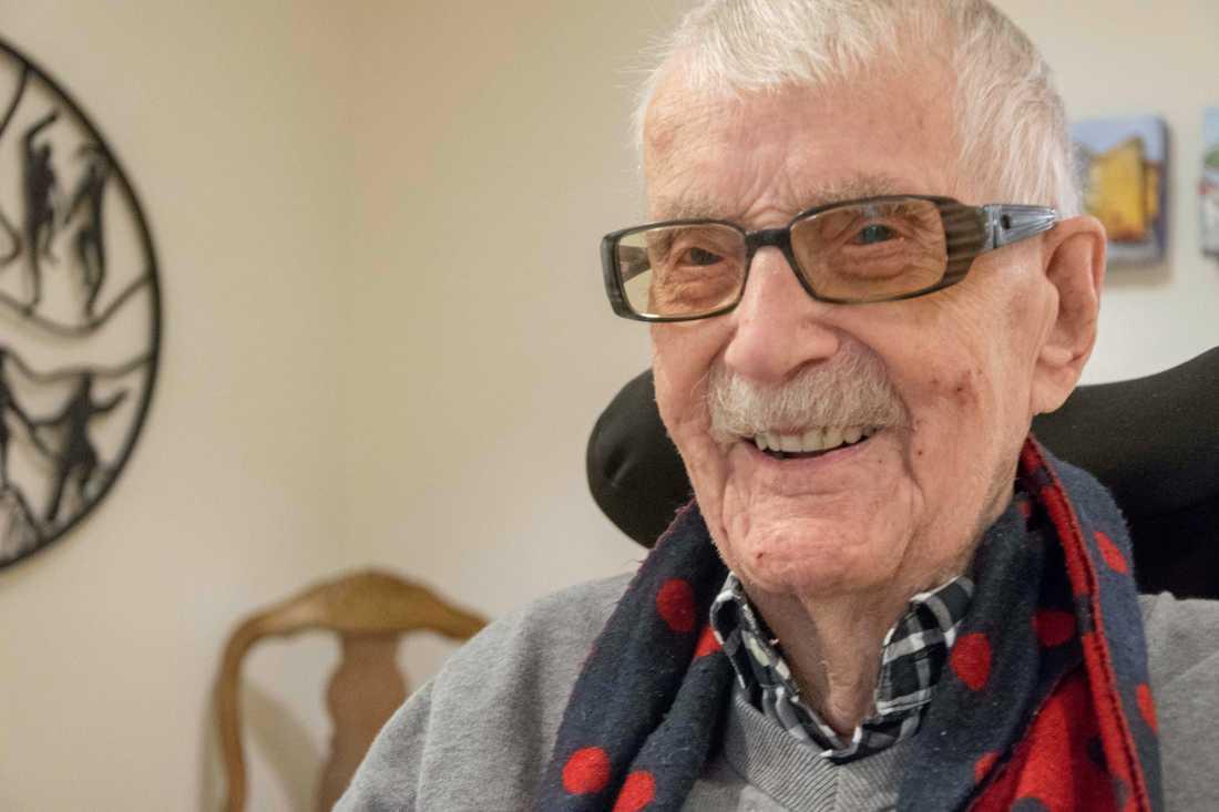 Carl Mattsson i Strömstad är numera Sveriges äldste man någonsin.