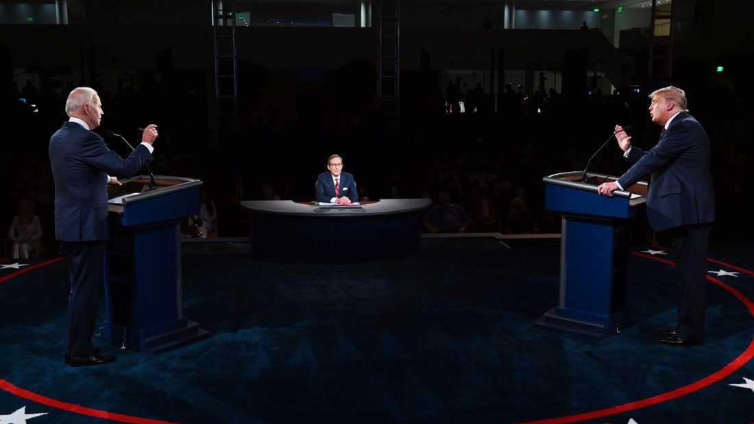 Joe Biden och Donald Trump under den första tv-sända debatten mellan kandidaterna till presidentposten.
