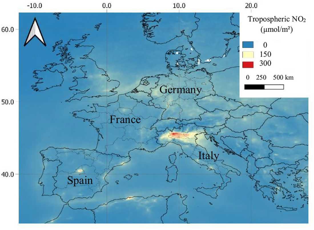 En karta över koncentrationen av kvävedioxid i atmosfären. Allra högst är den i norra Italien.