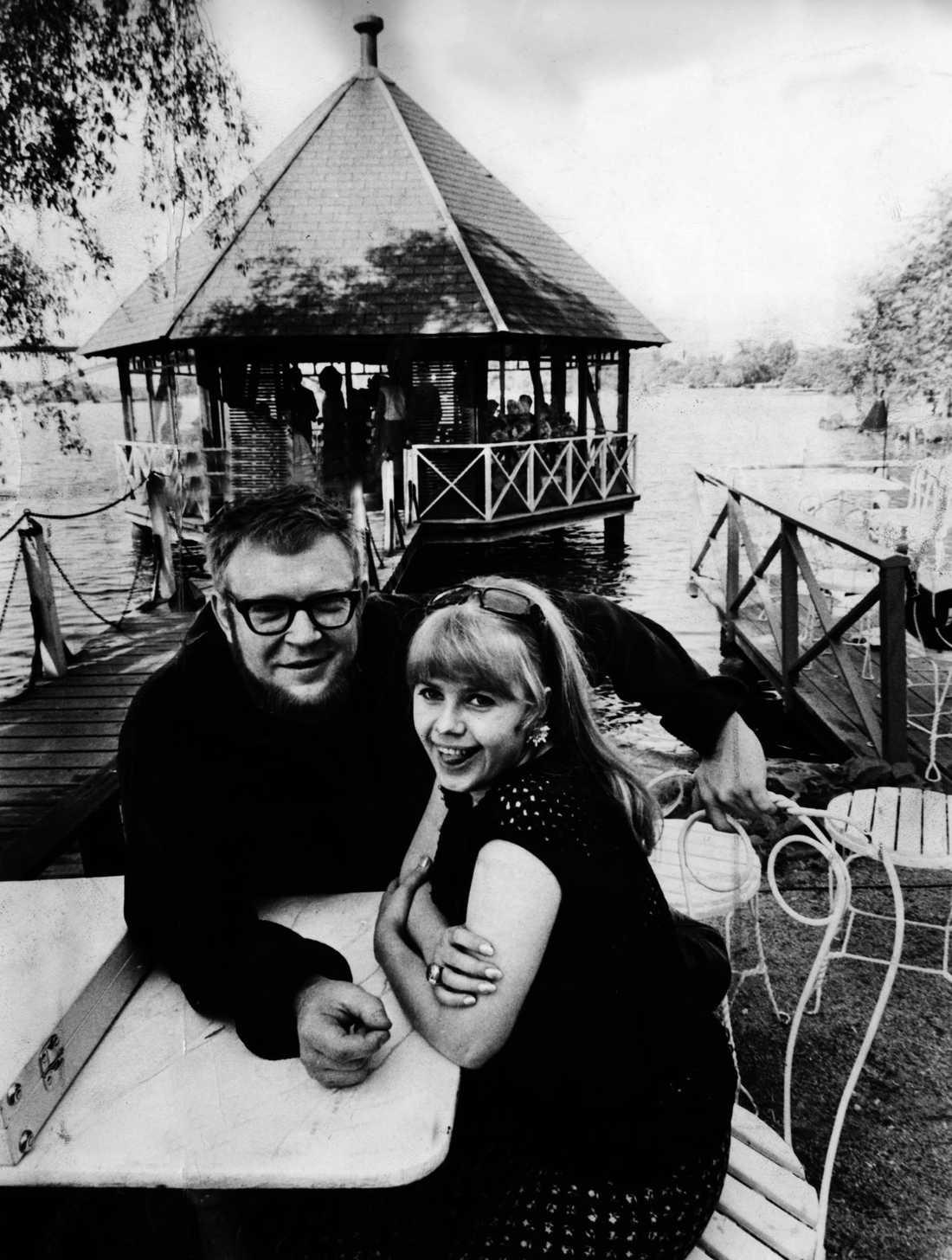 1966: Lena Nyman med regissör Vilgot Sjöman.
