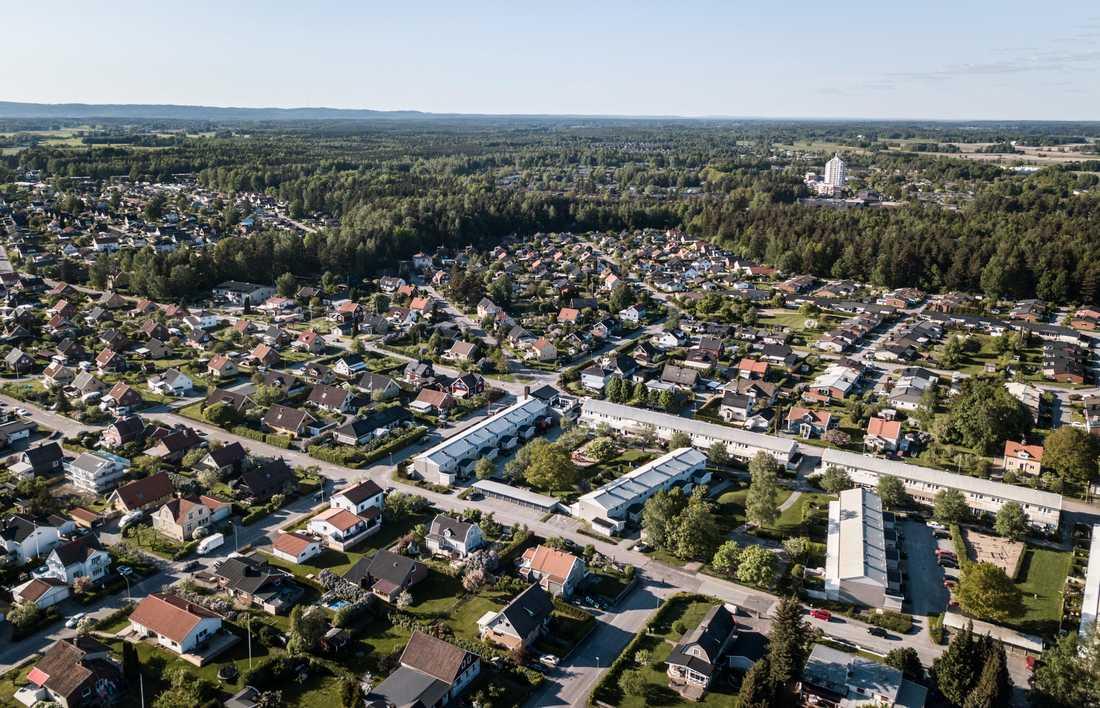 Bostadsområdet där Lena, 45, först anmäldes försvunnen från.