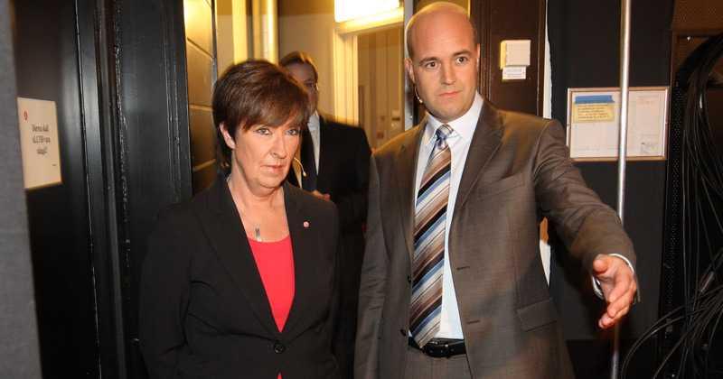 Mona Sahlin och Fredrik Reinfelt innan de möttes i TV4:s studio. Debatten som skulle handla om idologi, präglades av jobbpolitik.