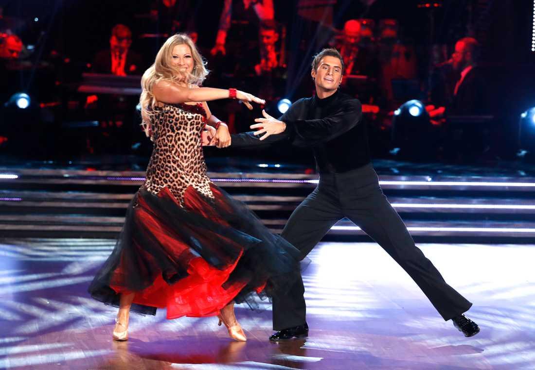 Samir Badran på dansgolvet tillsammans med Sigrid Bernson.